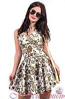 Платье белое с зелеными узорами цветы выше колен. Арт-2595/36