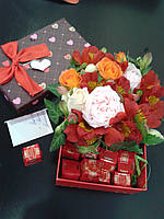 Коробочка сцветами и конфетами