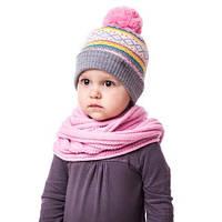 Модная теплая детская шапочка на девочку с орнаментом и помпоном