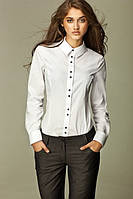 Блуза на пуговицах с острым рубашечным воротником