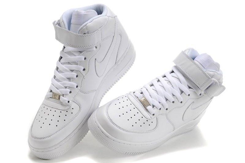 Женские кроссовки Nike Air Force high белые