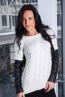 Вязаный свитер с рукавами из заменителя кожи