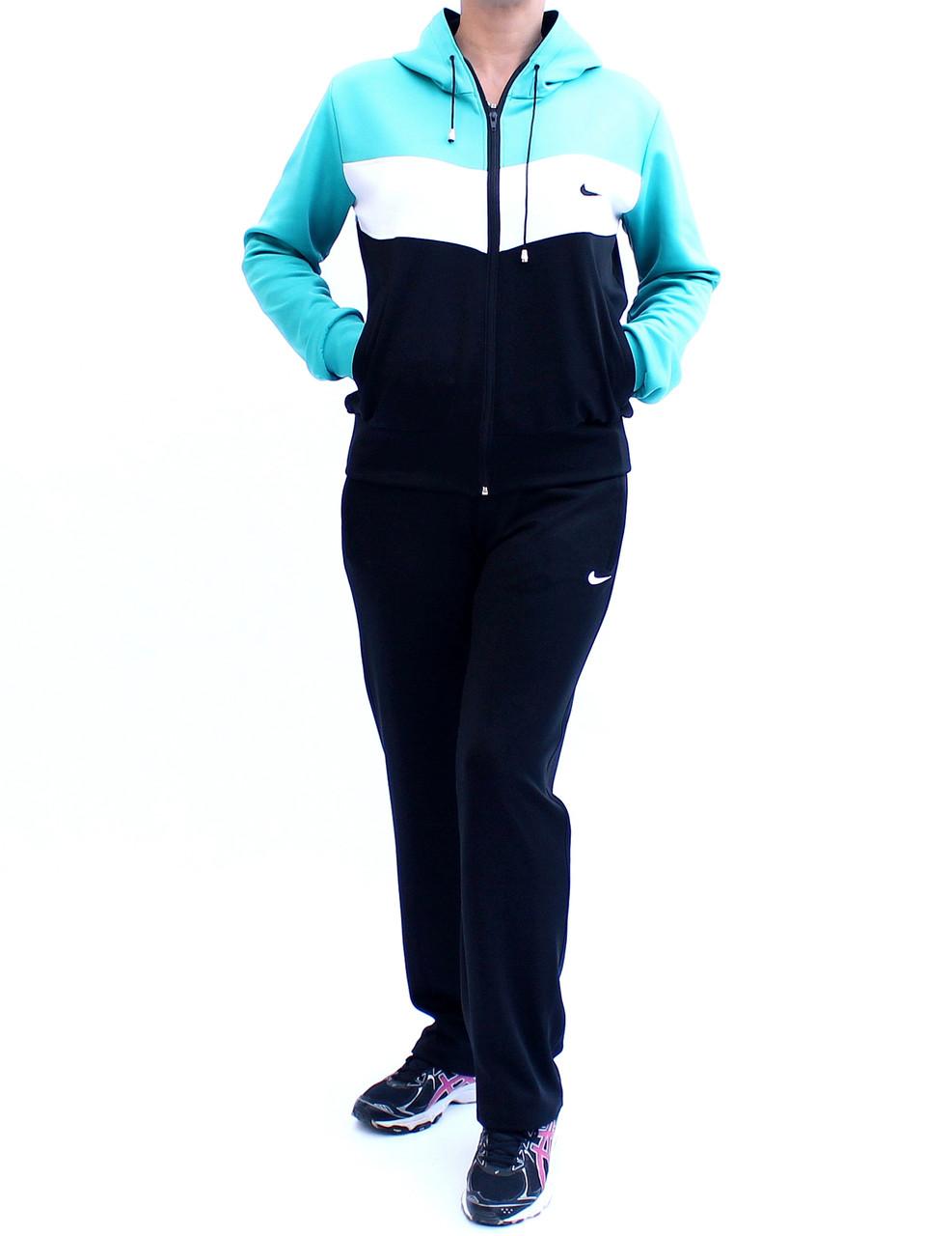 Спортивный костюм со вставками