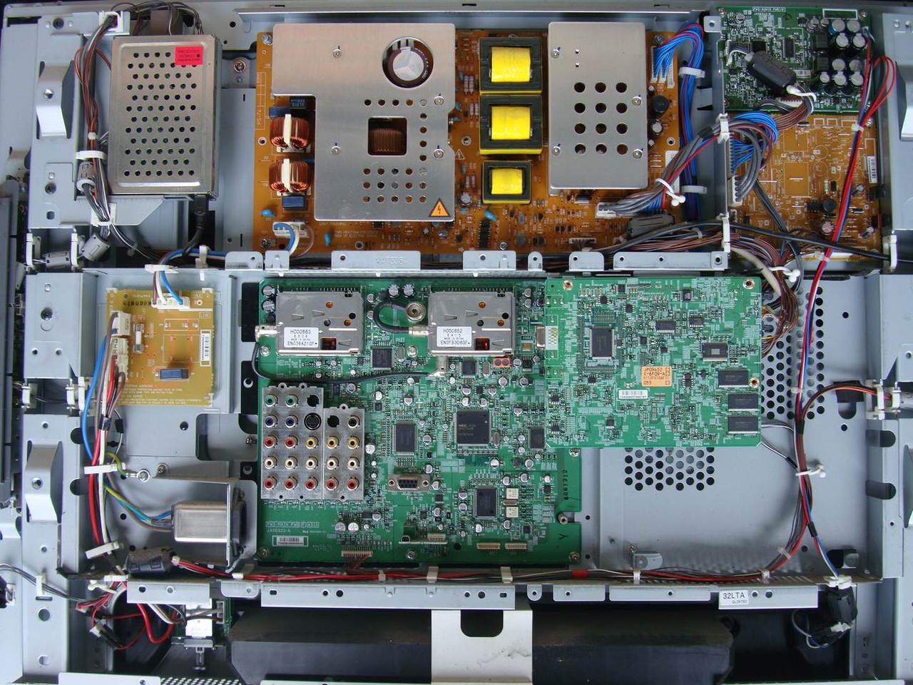 """Телевизор 32"""" Hitachi 32LD8800 на запчасти (HC00663 6308, HC00662, JA06353-D, HA01653-A)"""
