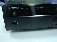 Blu-ray плеер Yamaha BD-S1067