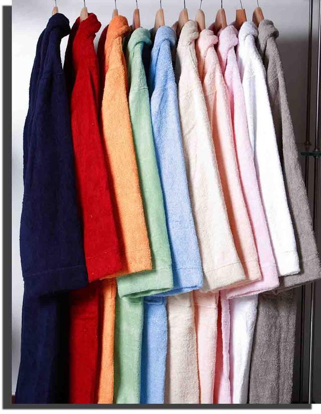 Разновидности мужских и женских халатов от магазина Оптом-дешевле