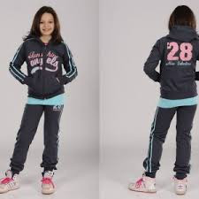 Спортивный костюм, брюки ,кофты для девочки