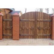 Деревянные ворота под старину из массива сосны ручной работы