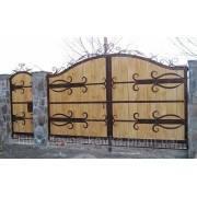 Ворота из натурального дерева под старину
