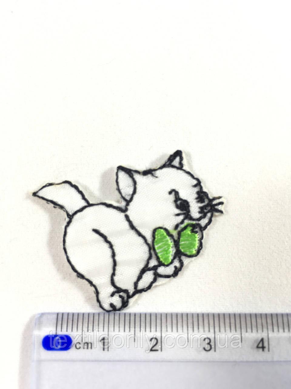 Дитяча нашивка кошеня c зеленим бантиком (small)