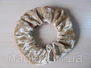 Велюровая резинка для волос Nadine  Бежевая