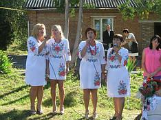 Наша клієнтка Вікторія Коваленко з подругами в сукнях Мальва від МальваОпт!