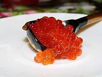 Красная икра - ценный и питательный продукт.