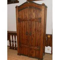 Эксклюзивный шкаф под старину ручной работы по низким ценам