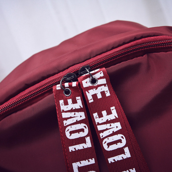 Легкий рюкзак для девушки