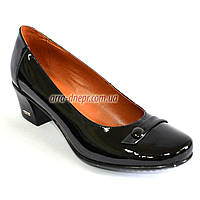 Женские лаковые черные туфли на невысоком каблуке классического пошива., фото 1