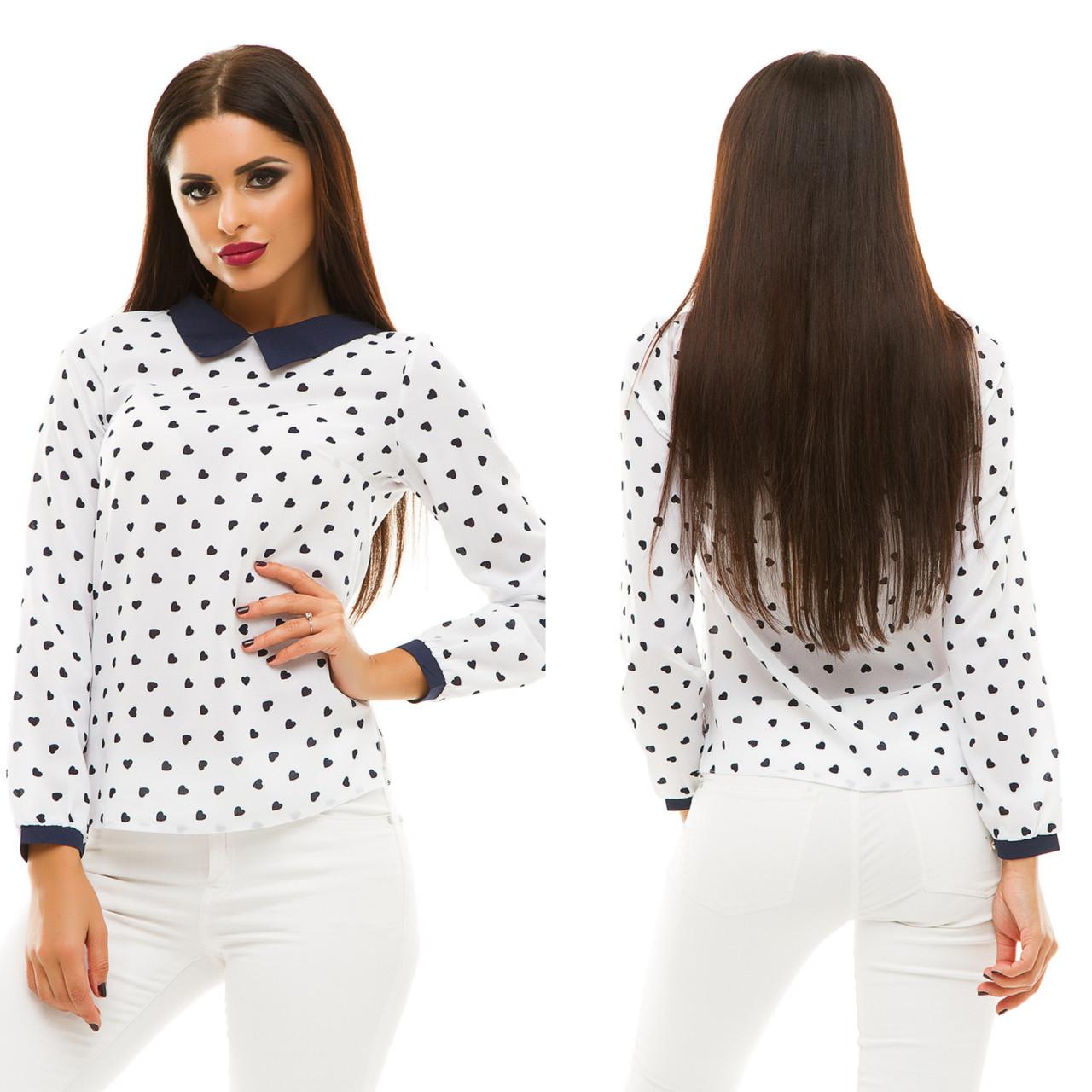 Блузка с принтом сердечки