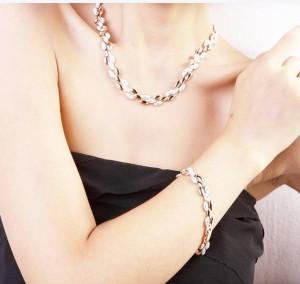 Колье ювелирная бижутерия золото 18к декор кристаллы Swarovski