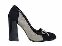 Женские замшевые туфли на толстом каблуке с бантиком