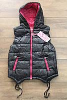 Утепленная жилетка на синтепоне для девочек 4 лет Цвет:черный, малиновый