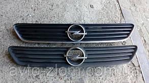 Решетка радиатора, капота Opel Astra G, Опель Астра Г.