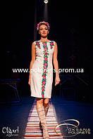Платье с вышивкой, розы