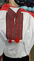 Вышитая сорочка для мальчика с красным орнаментом