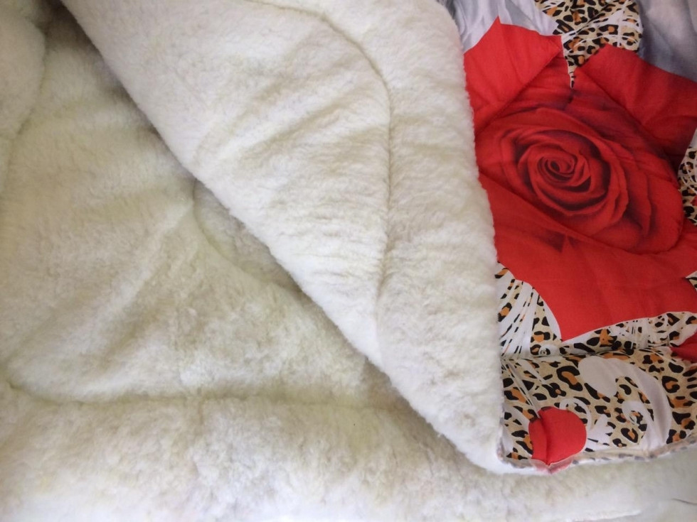 Двуспальное одеяло на меху