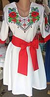 Модное вышитое платье белого цвета (в комплекте два пояса)