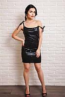 Яркое праздничное платье в паетках с модным болеро