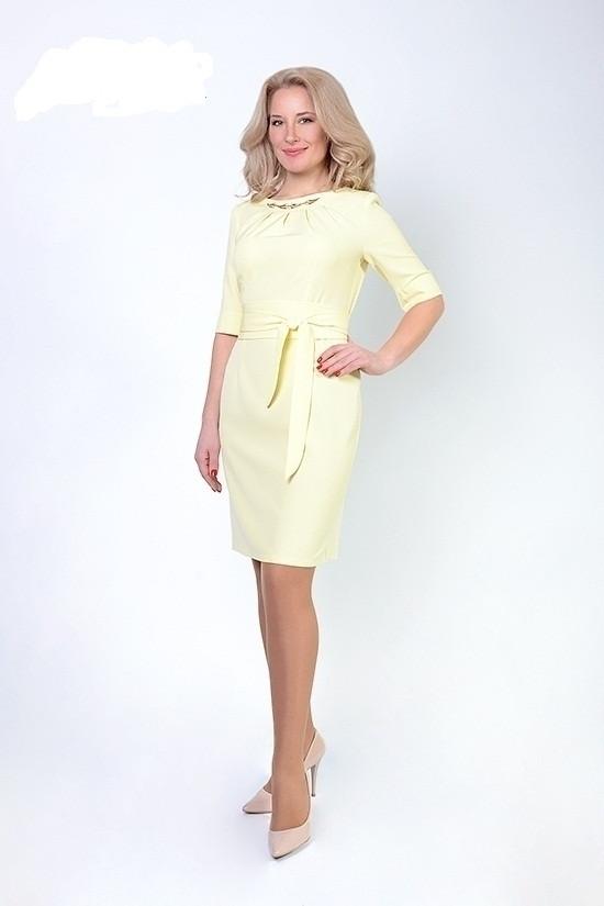 Нежное женское платье цвет лимон