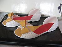 Резиновые балетки на пляж белые  размер 37
