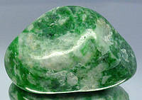 Жадеит минерал Вьетнам 150.60крт