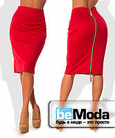 Стильная женская юбка из французского трикотажа по фигуре с низкой талией и блестящей молнией сзади красная