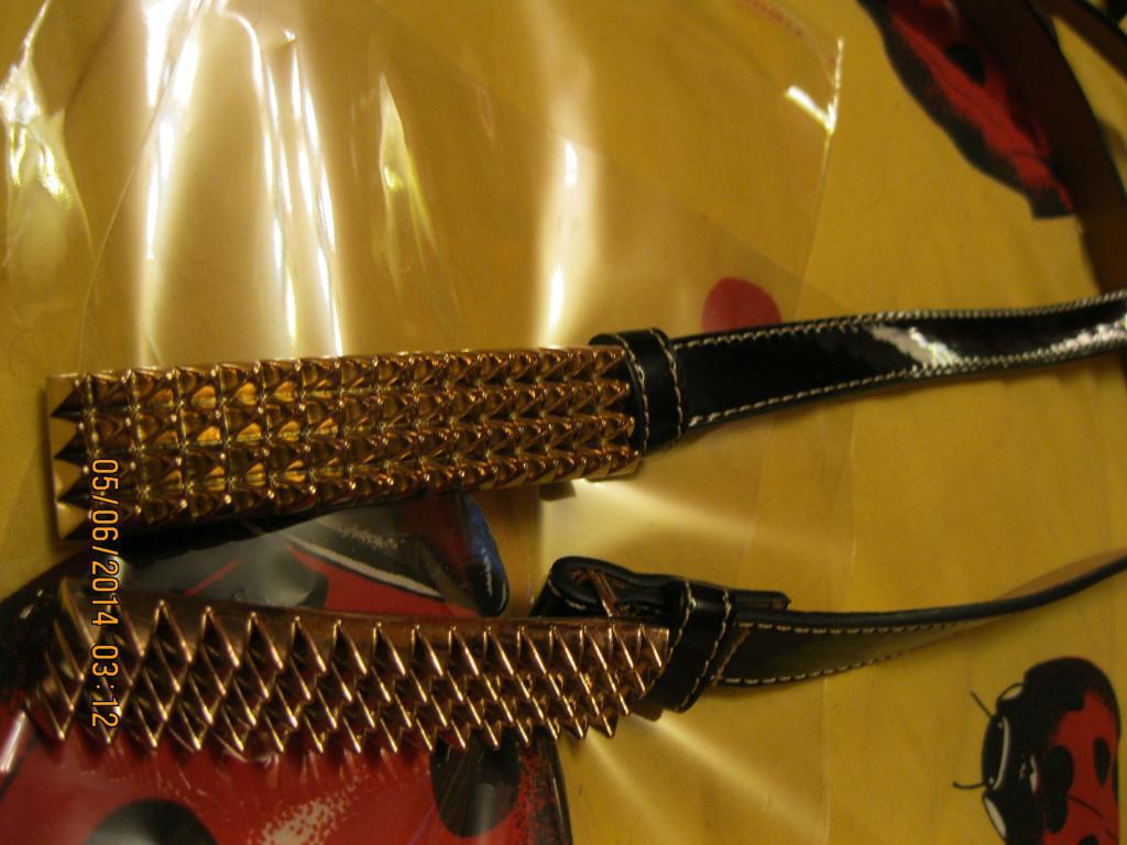 Пояс узкий ремень женский лаковый черный пряжка шипы золото!шикарный полная распродажа!