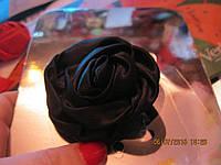Заколка резинка на волосы цветок черный роза атлас, фото 1