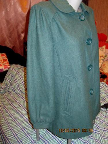 Пальто демисезонное отличное женское зеленое 14 48 М фирма ATMOSPHERE