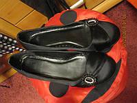 Туфли фирма черные брошь атласные 39р