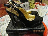 Туфли босоножки от валентина Юдашкина 37р очень красивая модель черные лаковые