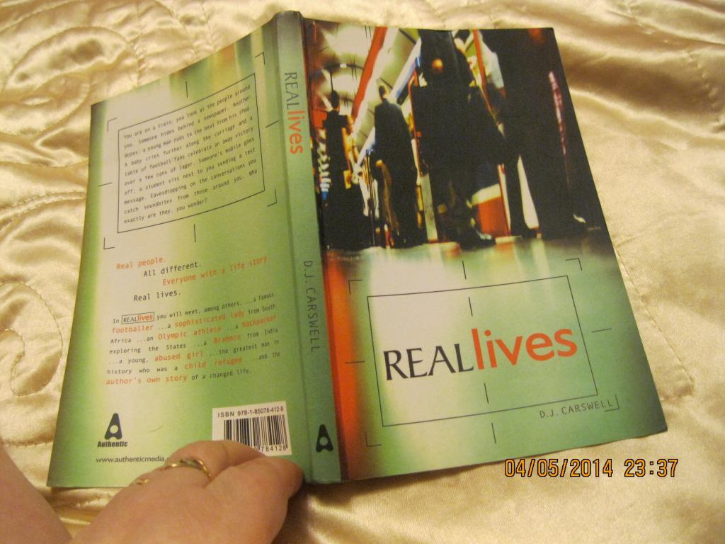 REALLIVES на английском языке книга английский