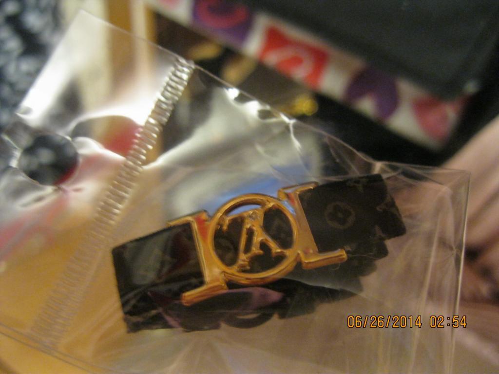 Неведимка заколка шпилька уточка черная  с золотомлюкс