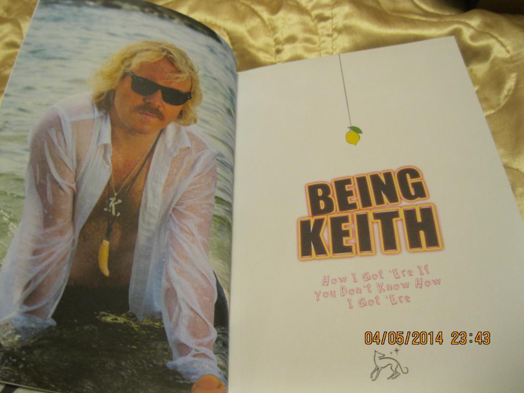 Книга на англійській мові Being Keith з БРИТАНІЇ