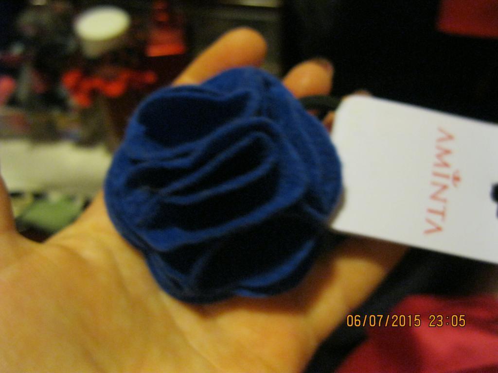 Шпилька синій фетр троянда нова брошка брошка гумка