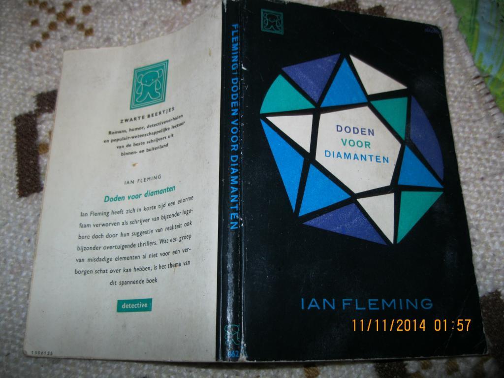 IAN FLEMING НА голландском языке книга ДЖЕЙМС БОНД