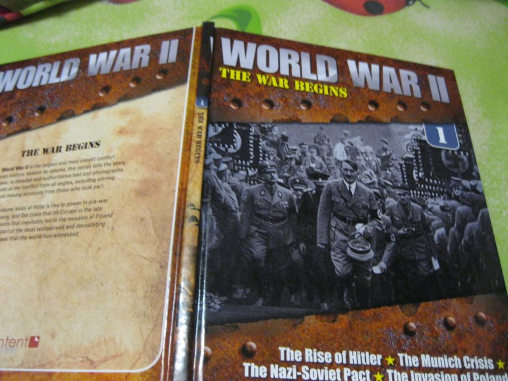 Книга 2-я мировая война  на английском языке  WORLD WAR 2