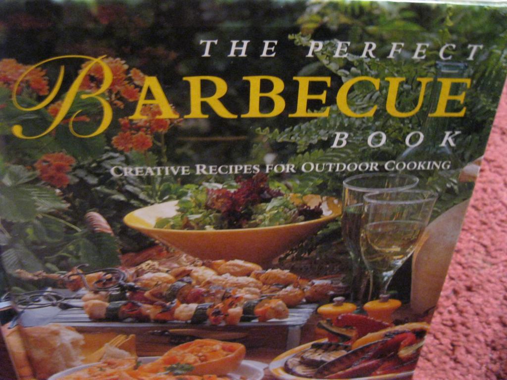 О ПИЩЕ РЕЦЕПТЫ барбекю книга на английском ЯЗЫКЕ кухня еда