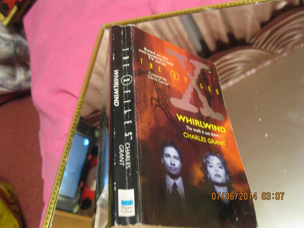 На английском языке книга секретные материалы