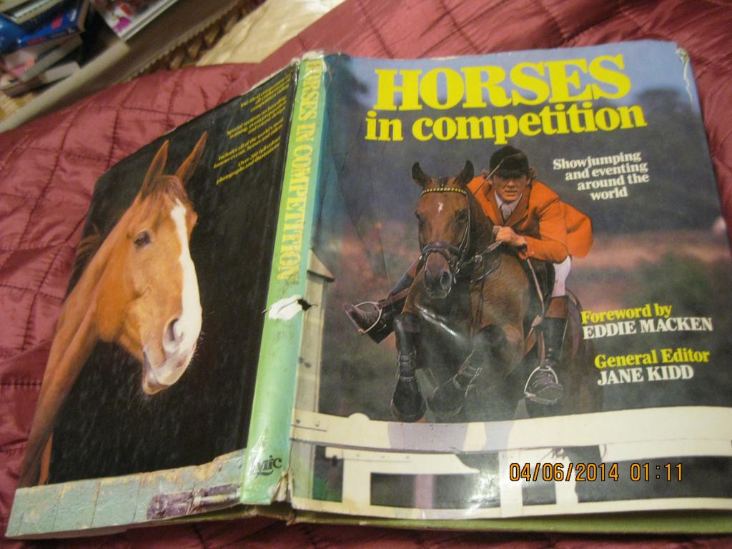 На английском языке книга альбом лошади кони спорт HORSE