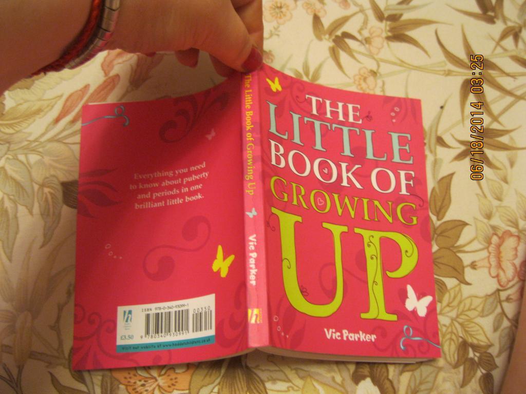 На английском книга THE LITTLE BOOK of crowing UP