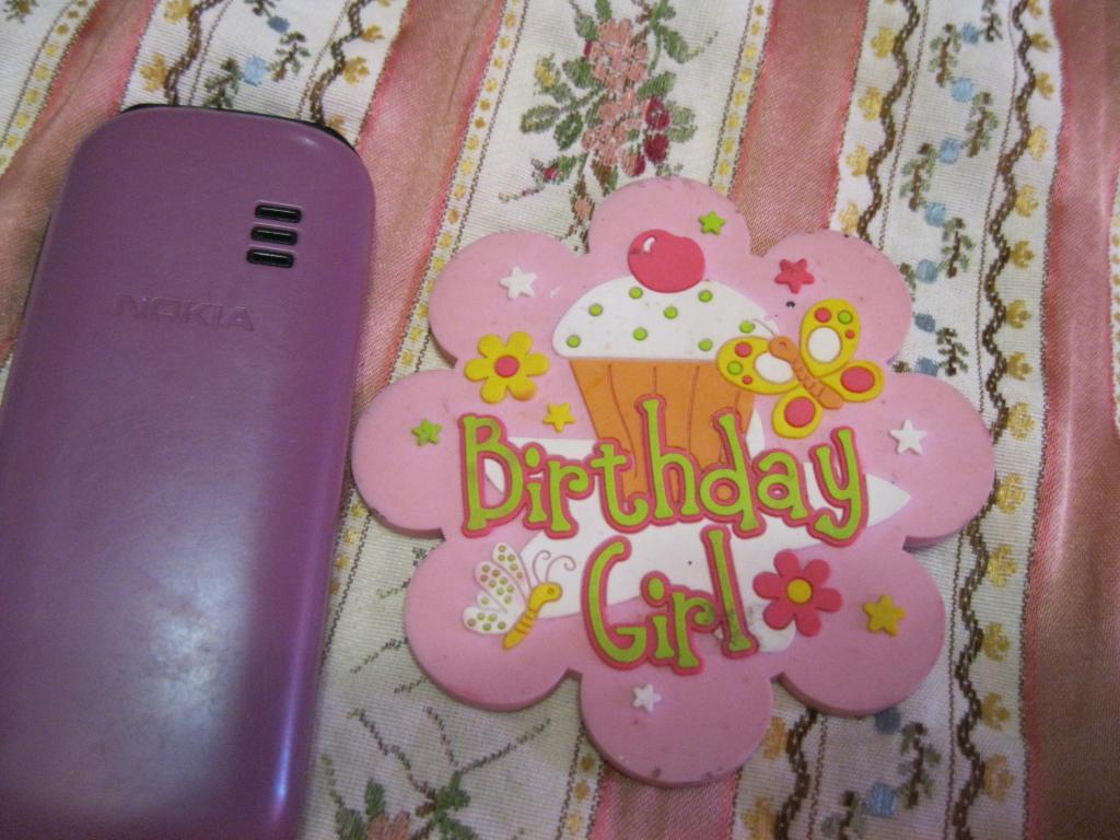 Брошь большой значок день РОЖДЕНИЯ розовый девочки